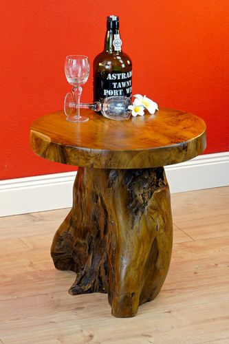 Root Wood Side Table JOMTIEN