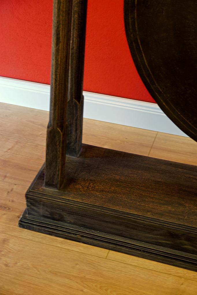 asia m bel xxl gong mit st nder holz stativ kinaree. Black Bedroom Furniture Sets. Home Design Ideas