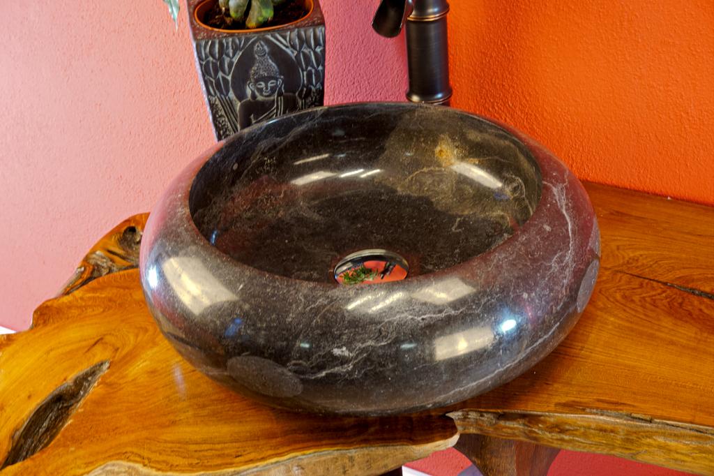 waschbecken schwarzer marmor aufsatzwaschbecken. Black Bedroom Furniture Sets. Home Design Ideas