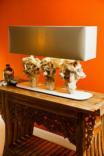 Driftwood table lamp PAUKAA